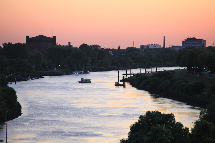 A feast for the eyes at any time of day: the Weser.