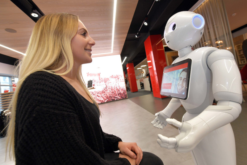 Luna the robot greets visitors to the Neustadt branch of Sparkasse Bremen