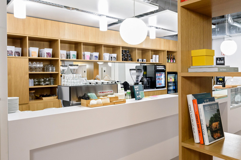 Coffee, snacks, fresh drinks - the Spaces Café has its own barista